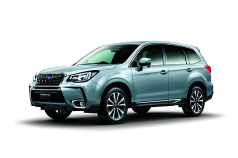 subaru forester 2017 black 2017 subaru forester facelift revealed ahead of tokyo