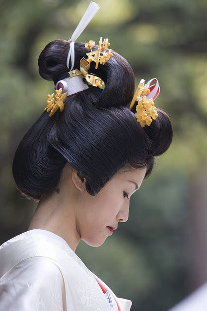 wedding kanzashi traditional hair japanese hairstyle