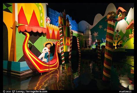 Picture/Photo: Indoor boat ride, Magic Kingdom, Walt