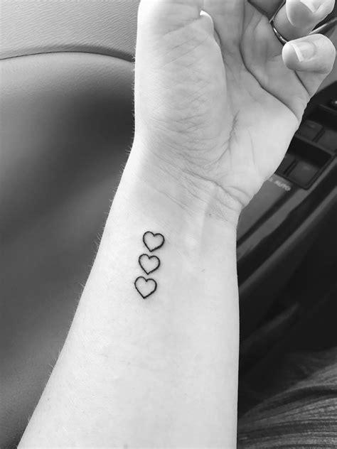 Finally got my tattoo. Three hearts to represent my kids! | Tattooed | Tatouage, Tatouage maman