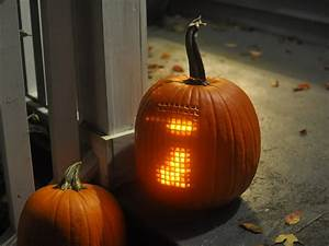 Extreme pumpkin mod playable electronic tetris inside a for Extreme pumpkin carving templates