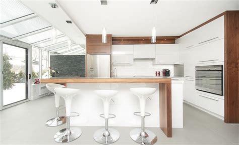 cuisine moderne blanc et bois cuisine blanche idée et photo