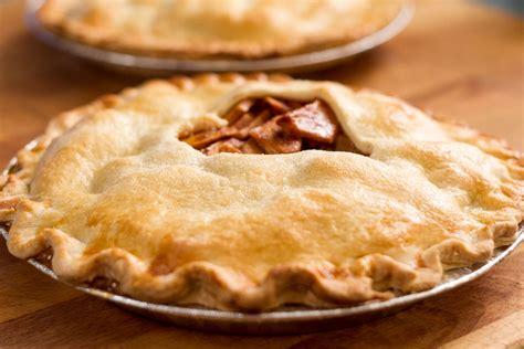 tarte aux pommes et sauce bbq cuite sur le bbq selon rox l anarchie culinaire selon bob le chef