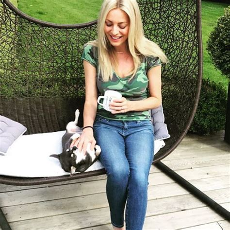Strictly host Tess Daly's marital home with Vernon Kay is ...