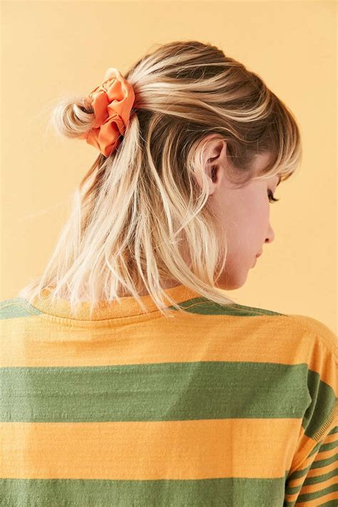 90s Hairstyles Scrunchies by Best 25 90s Hairstyles Ideas On 90s Hair 90s