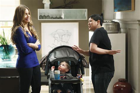 modern family season 5 episode 21 quot sleeper quot photos
