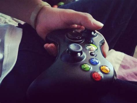 Maybe you would like to learn more about one of these? ¿Chicas que piensas de los hombres que les gusta jugar Xbox? - EllasSaben