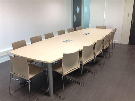 chaise de clean salle de réunion équipée d 39 une table quot frégate quot clen et