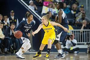 Images from the the Michigan women's basketball team's 59 ...