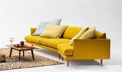 canapé jaune fauteuil jaune la couleur intemporelle et tendance
