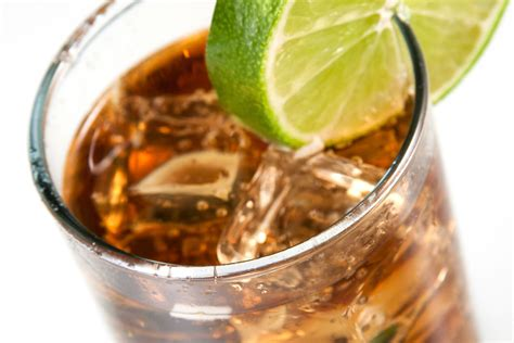 Easy and Delicious Cuba Libre Cocktail Recipe
