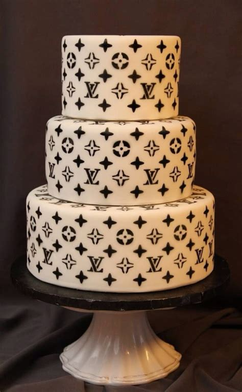 louis vuitton cake print airbrushed    stencil top