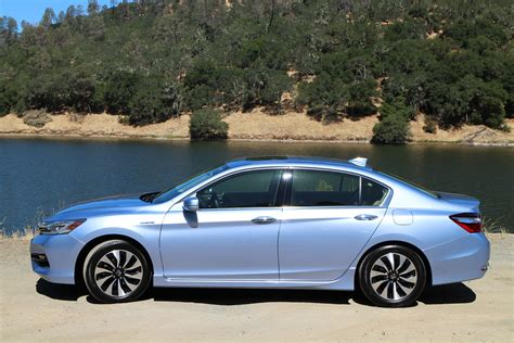 2017 Honda Accord Hybrid First Drive