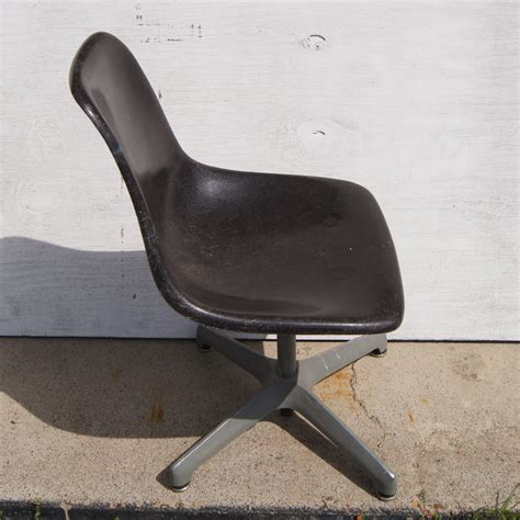 vintage gray fiberglass shell side chair swivel