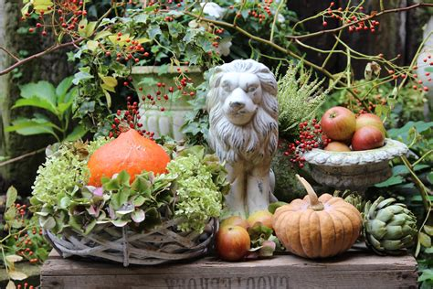 Herbstdeko Garten by Gartendeko Im Herbst Garten Herbst Dekoration Garten
