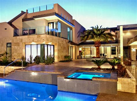 Mansions With Pools For The Perfect Touch Of Luxury Home
