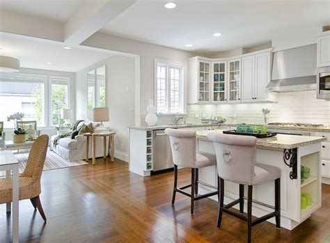 white kitchen with backsplash u shaped kitchen cottage kitchen tamara mack design 1842
