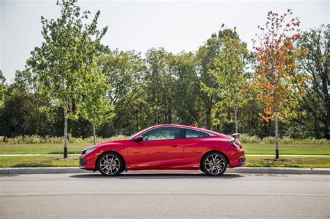 honda civic 2017 coupe review 2017 honda civic si coupe canadian auto review