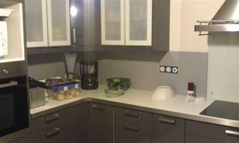 hauteur des prises dans une cuisine pose credence cuisine prise electrique crédences cuisine