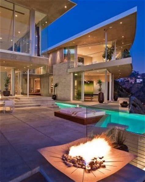 House With Spectacular Downtown City Views by Luxury Home In La For The Mega Rich