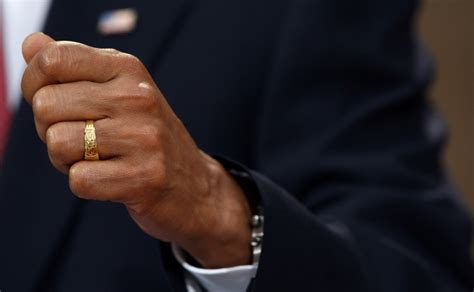 highest resolution images of barack obama s ring he has
