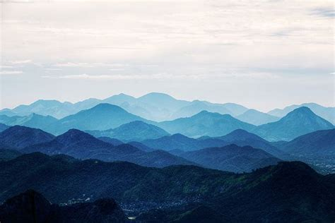 pin  jessie su  interior mountain silhouette