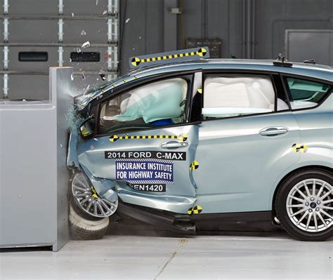 siege auto crash test iihs tests small cars on small overlap volt does ok leaf