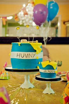 birthday party ideas and tips guest post mimi 39 s winnie the pooh 1st birthday party guest post by lena