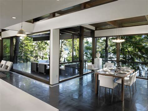 Dinning Room Connected To Kitchen And Patio
