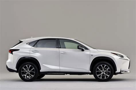Mobil Lexus Nx by Lexus Offers Turbo Or Hybrid Power In New 2015 Nx Crossover