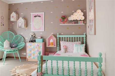 d馗oration murale chambre fille stickers dcoration chambre bb sticker dco pour chambre bb sticker mouton pour chambre bb deco chambre bb 52 fort de funtosee fisher
