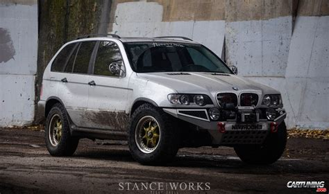 lifted bmw   side