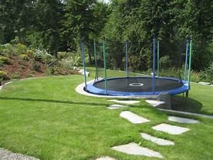 In Ground Trampolin : best 10 sloped garden ideas on pinterest sloping garden hill garden and sloping backyard ~ Orissabook.com Haus und Dekorationen