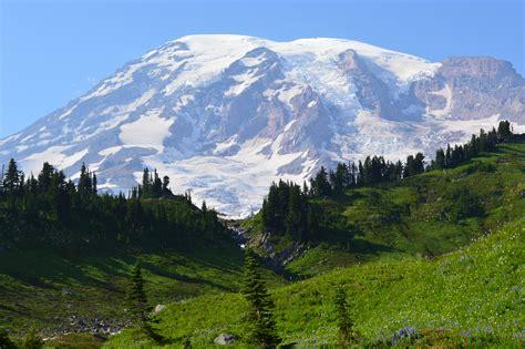 Mt. Rainier in Paradise | Good Day Press