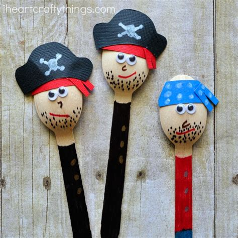 Awesome Pirate Craft for Kids | I Heart Crafty Things