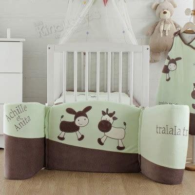 chambre de bébé mixte idée déco peinture pour chambre bébé