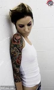 Tatouage Bras Femme Fleur : photos tatouage femme bras ~ Carolinahurricanesstore.com Idées de Décoration