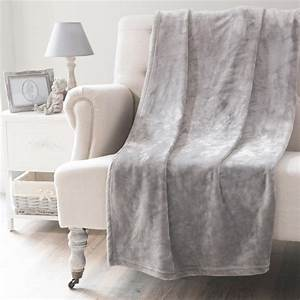 Plaid Maison Du Monde : plaid gris 150 x 230 cm flannelle maisons du monde ~ Teatrodelosmanantiales.com Idées de Décoration