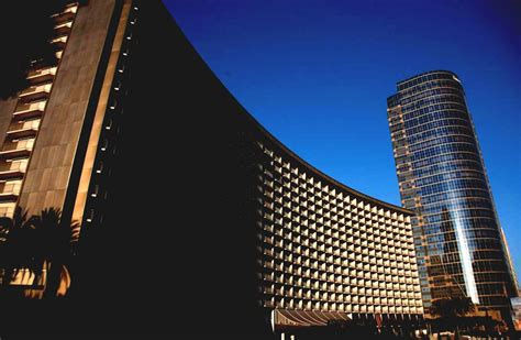 Beautiful Famous Modern Architecture Buildings Goodhomezcom