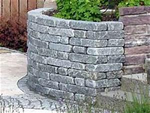 Trockenmauer Bauen Ohne Fundament : trockenmauer im garten bauen aus naturstein ~ Lizthompson.info Haus und Dekorationen