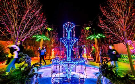 best chrsitmas lighting on east side america s favorite cities for lights 2016 travel leisure