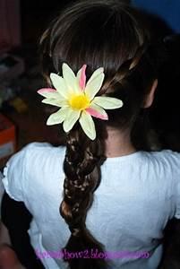 "Hairdo How-to: Lesson 52: Disney's ""Tangled"" Rapunzel Braid"