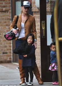 Two Girls And A Mommy Katherine Heigl Ushers Her