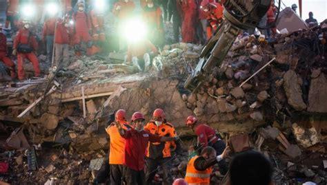 Turcijas rietumos un Grieķijā spēcīgā zemestrīcē gājuši ...