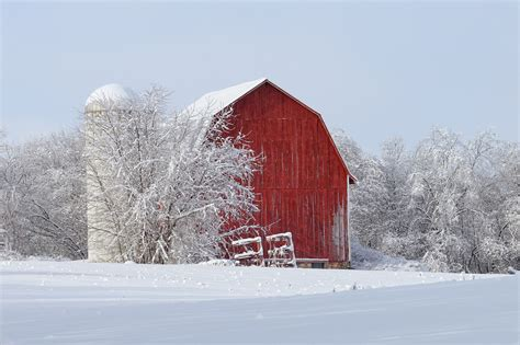 michigan nut photography barns log cabins snow covered barn