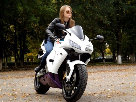 30 More Awesome Motorcycle Clubs For Women