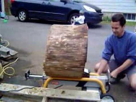 maple log split  ryobi log splitterwow youtube