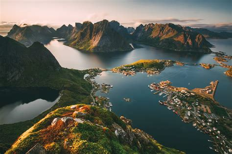 15 Beautiful Places In Norway You Have To Visit Hand