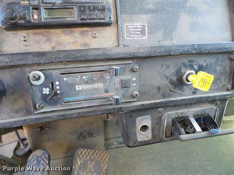 Kenworth T300 Fuse And Relay Box by 2002 Kenworth 1xkddbox12j897314 8313aq Heater Diagram 53