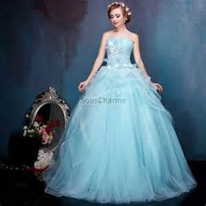 accessoire de mariage robe de bal princesse robe mariée colorée à bustier en tulle bleu ciel décorée de fleurs jupe au